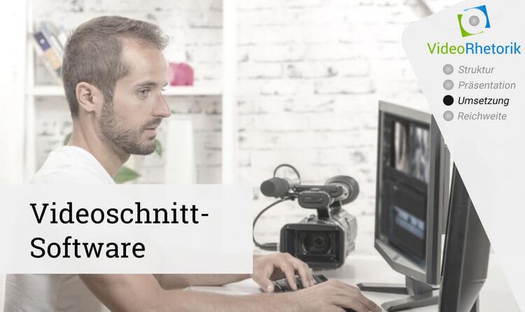 Editor sitzt vor Bildschirm mit Videoschnitt-Software